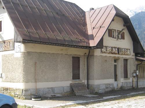 Ex-fermata di Valbruna-Lussari, in discreto stato di conservazione (O ...